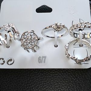 """NWT """"Claires"""" 5 pk. Assorted Rings size 6/7"""
